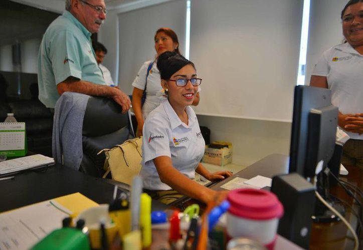 La Apiqroo tiene a tres mujeres en las gerencias de Isla Mujeres, Puerto Morelos y Chetumal. (Gustavo Villegas/SIPSE)