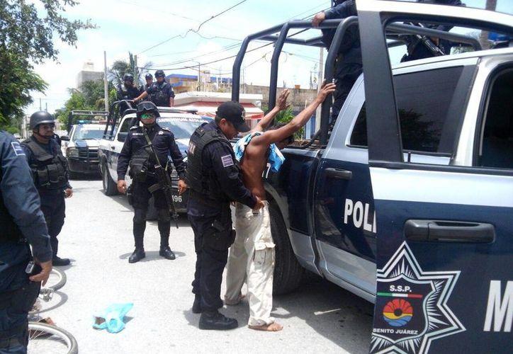 Las personas son detenidas por diferentes faltas administrativas. (Eric Galindo/SIPSE)