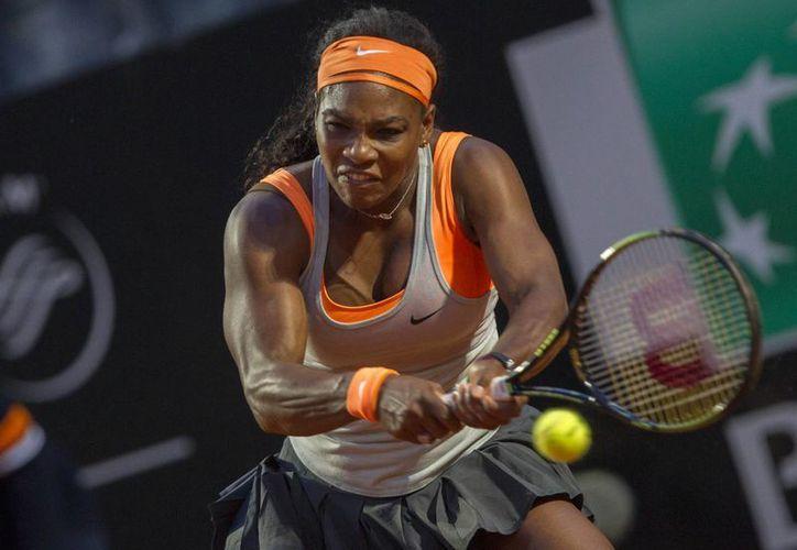 Sin mayor dificultad, Serena Williams venció a la rusa Anastasia Pavlyuchenkova por 6-1 y 6-3 y ahora enfrentará a la vencedora del duelo entre Sara Errani y Christina McHale en el Masters 1000 de Roma. (Foto: AP)
