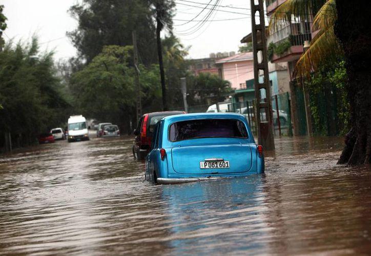 En la isla llovió durante 36 horas continuas. (EFE)