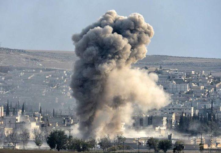 La inteligencia militar estadounidense localizó un cuartel de los yihadistas del Estado Islámico gracias a una selfie de uno de los combatientes. El sitio fue bombardeado. (EFE/Archivo)
