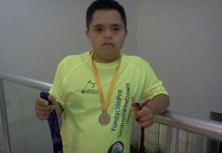 José María Hernández Trejo es un joven de 22 años de edad con síndrome de down. (Pedro Olive/SIPSE)