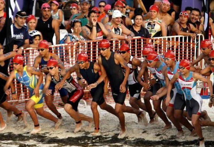 La salida del Triatlón de Cancún 2018 será en Punta Nizuc. (Redacción/SIPSE)