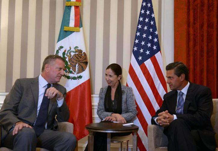 Peña Nieto y De Blasio reconocieron la creciente participación de la comunidad hispana en la vida cotidiana de los Estados Unidos. (Notimex)