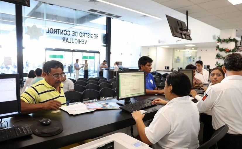 Este jueves, el Gobierno del Estado anunció un decreto de estímulos fiscales para la regularización en materia vehicular en Yucatán.  (Milenio Novedades)