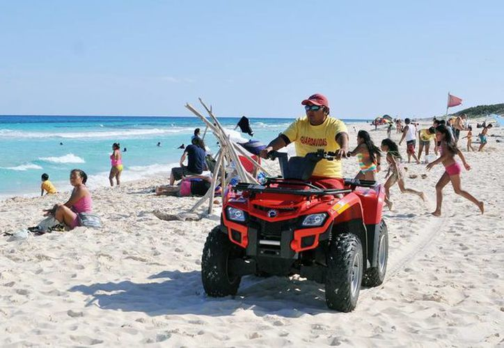 El personal de Guardavidas efectuó 11 salvamentos en las playas de la isla. (Cortesía/SIPSE)