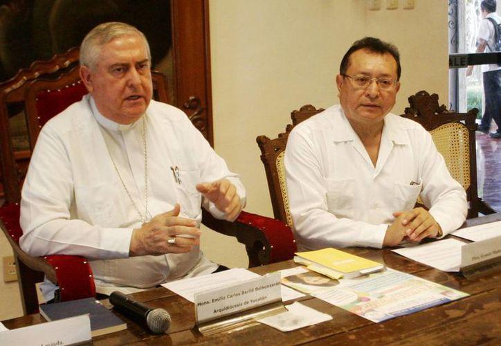 El Arzobispo de Yucatán exhortó a asistir a las misas que se celebrarán en los cementerios. (Christian Ayala/SIPSE)