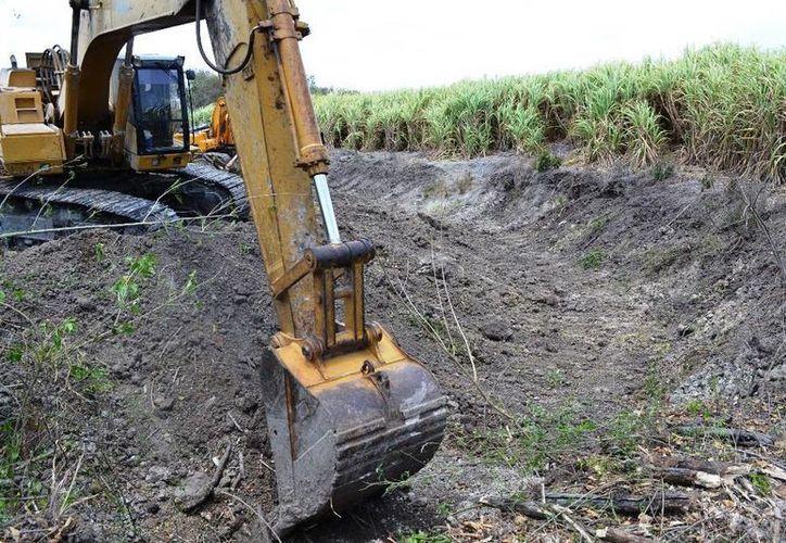 Aproximadamente seis millones de pesos se invierten en la reparación de desagües parcelarios, canalizados por la Sagarpa. (Redacción/SIPSE)