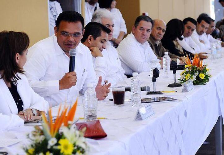 El gobernador Rolando Zapata presentó ayer el Plan Estatal de Desarrollo 2012-2018. (Cortesía) Martes, 26 de Marzo de 2013