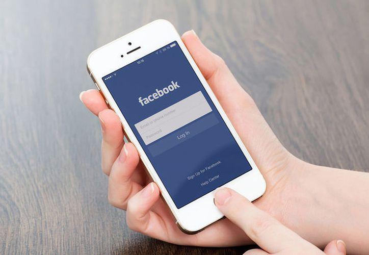 """Facebook lanzó desde hace más de dos años una opción llamada """"Un día como hoy"""". (Contexto/Internet)."""