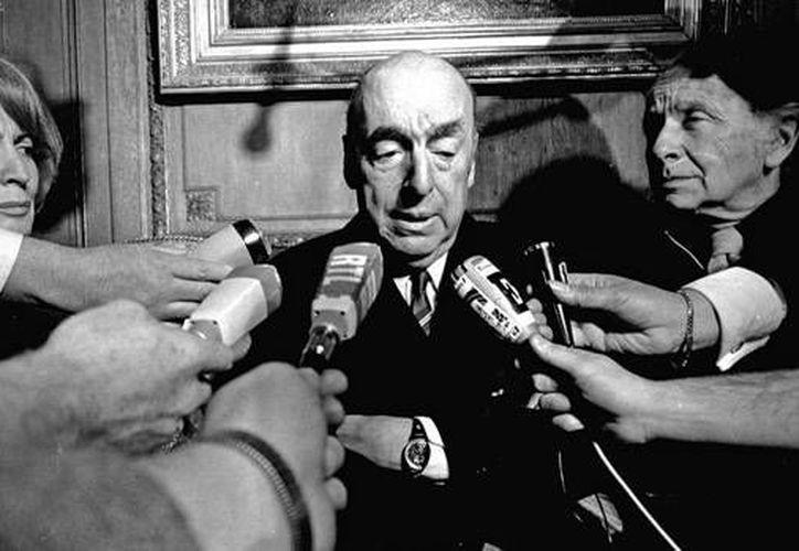 Pablo Neruda es considerado un padre literario que influenció varias generaciones. (Agencias)