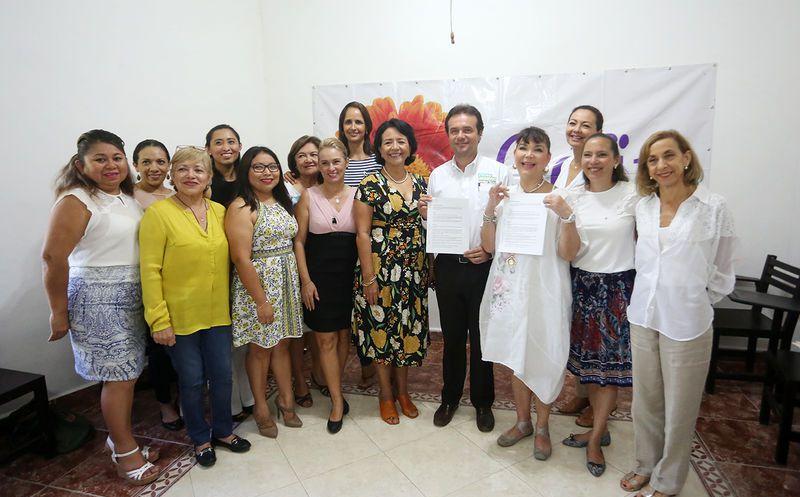 """""""Soy una persona que está a favor de los valores, el apoyo a la vida, a la familia"""", afirmó Pedro Joaquín. (Redacción/SIPSE)"""
