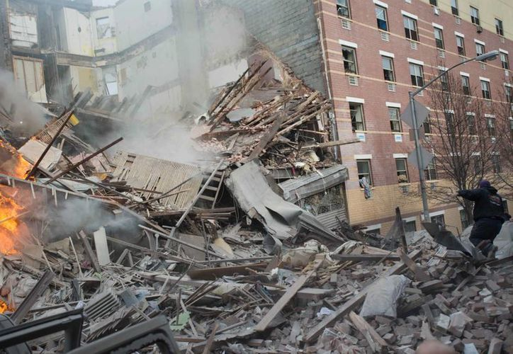 La explosión en el edificio del barrio East Harlem, enclave latino, dejó una docena de heridos. (Agencias)