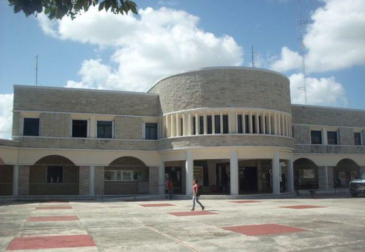 """La Universidad de Quintana Roo será la sede de la conferencia """"Los Mayas Milenaristas ¿El fin del Mundo en el 2012?"""". (Jorge Carrillo/SIPSE)"""