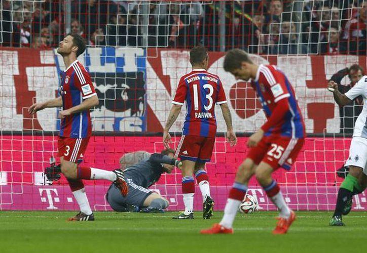 A pesar de la derrota, el Bayern se mantiene como líder de la Bundesliga con 10 puntos de ventaja sobre su más cercano perseguidor. (Foto: AP)