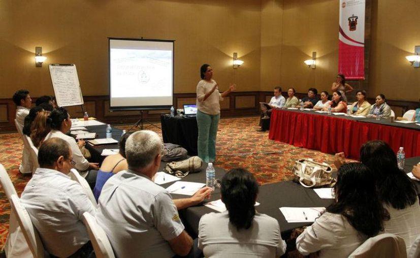 En un encuentro que se lleva a cabo en Cancún para prevenir la trata de personas mencionó que el perfil del victimario está cambiando. (Israel Leal/SIPSE)