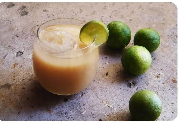 Como desde hace más de siete mil años, el tejuino se prepara con base en el maíz y se fermenta con azúcar o piloncillo. (rusttica.com)