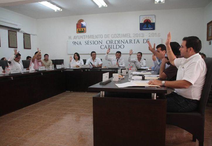 Aprueban varios puntos en la novena sesión de Cabildo. (Julián Miranda/SIPSE)