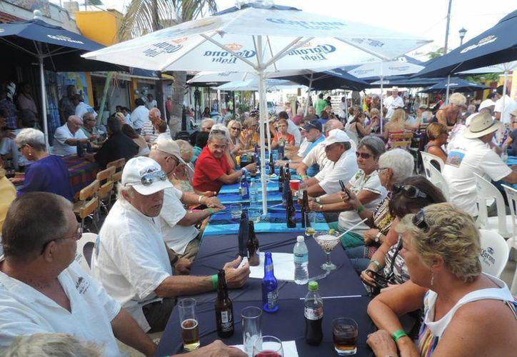 La fiesta de la comunidad canadiense en la costa norte de Yucatán. (Manuel Pool/SIPSE)