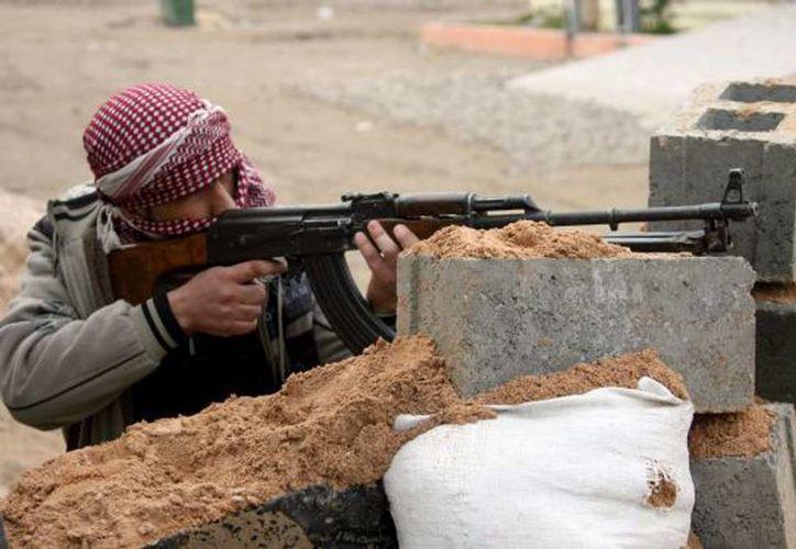 Miembros de la rama de Al-Qaeda en Irak -conocida como Estado Islámico de Irak y el Levante- han ocupado partes de Ramadi, la capital de la provincia de Anbar, de mayoría suní. (Agencias)