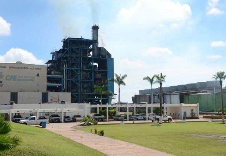 La termoeléctrica de Altamira reducirá en un 90% la emisión de contaminantes gracias al contrato con las francesas Alstom e Isolux.(panucoaldia.diariodebate.info)