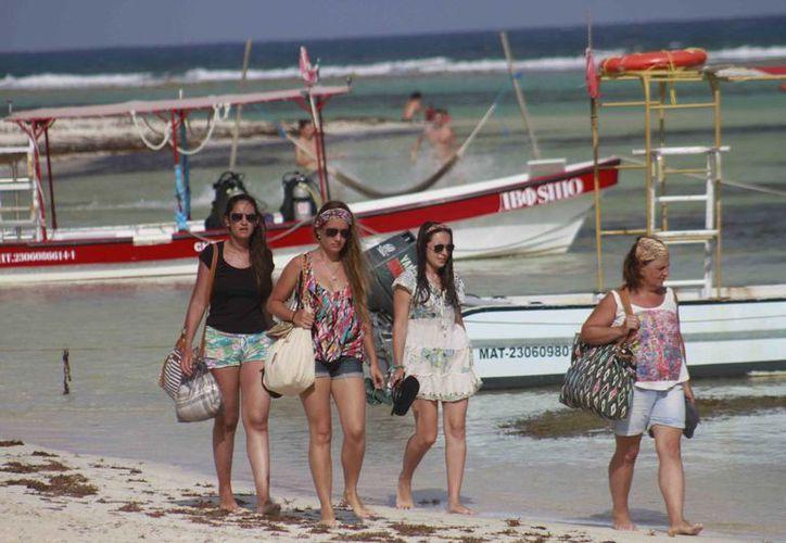 """El año pasado, la campaña """"Descubre Mahahual"""" permitió mantener una buena actividad turística en toda la Costa Maya. (Harold Alcocer/SPSE)"""