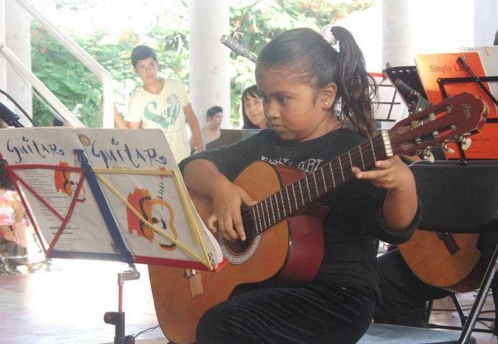 Los cursos están dirigidos para niñas, niños, jóvenes y adultos. (Redacción/SIPSE)