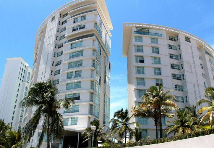 La zona hotelera es le lugar en el que los rusos buscan una residencia para establecerse en Cancún. (Luis Soto/SIPSE)