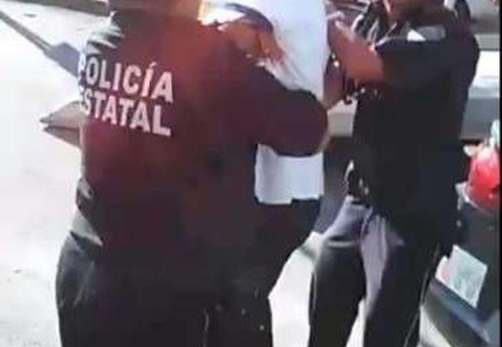 El video fue compartido en redes sociales, donde denunciaban a policías por presunto abuso de autoridad. (Redacción/SIPSE)