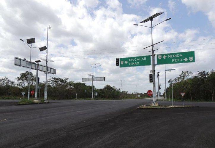 Entronque actual Peto-Tzucacab. Aquí se construirá un distribuidor vial. (Milenio Novedades)