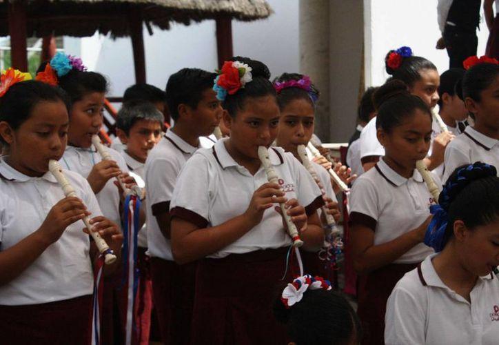 Autoridades educativas estiman que se sumarán 500 estudiantes de otras partes del país a las primarias de Solidaridad. (Octavio Martínez/SIPSE)