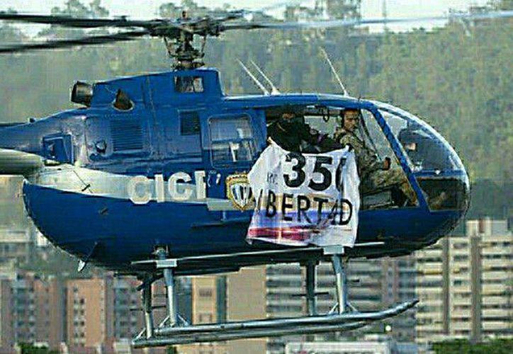 La tarde del martes, un helicóptero fue sustraído de la Base Aérea de La Carlota, en el este de la capital venezolana.  (RT)