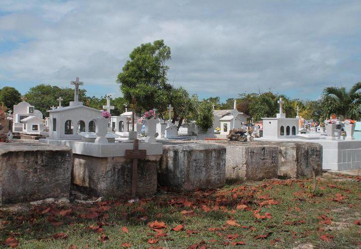 En el Campo del Recuerdo yacen alrededor de 10 mil difuntos. (Paloma Wong/SIPSE)