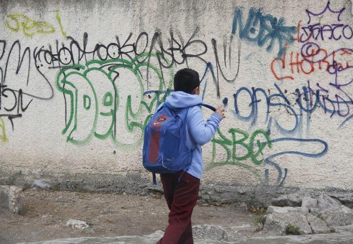 La delincuencia amenaza la seguridad de los alumnos de las escuelas. (Israel Leal/SIPSE)