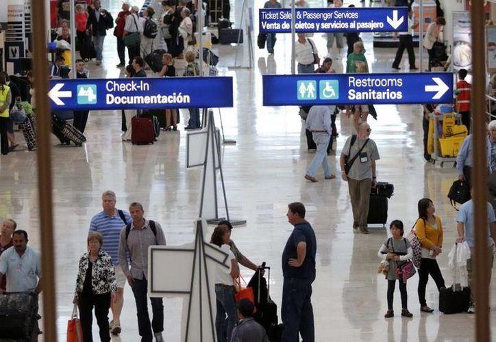 De enero a julio de este año, el Aeropuerto Internacional de Cancún, recibió a 8 millones 900 mil 482 pasajeros. (Redacción/SIPSE)