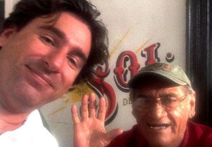 Sergio Grosjean (i) con Chito Cetina. (Cortesía)