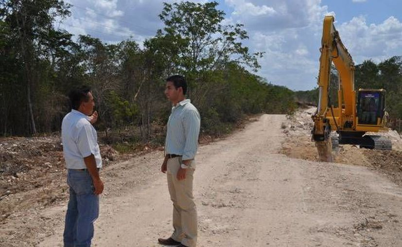 El camino entre San Pedro y Santa Rosa, en el oriente de Yucatán. (Cortesía)