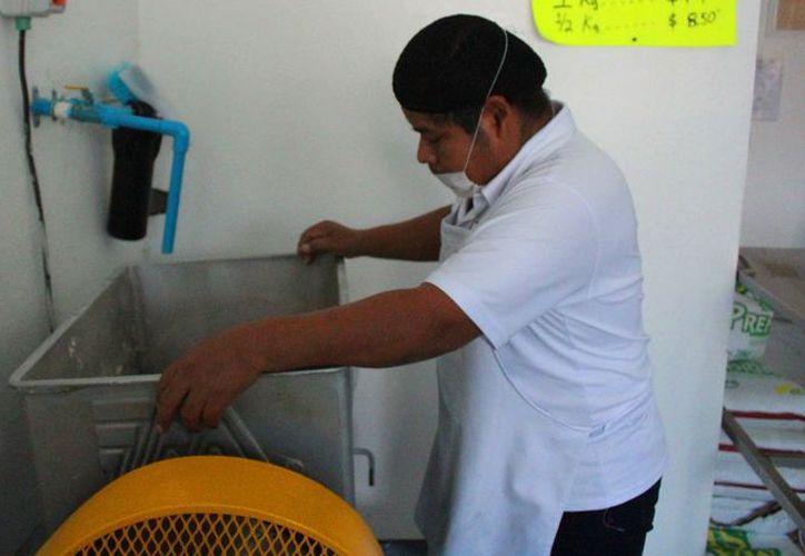 Los afiliados a la asociación pueden aumentar el precio del kilogramo de las tortillas. (Octavio Martínez/SIPSE)