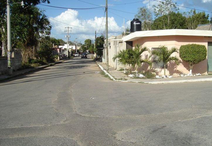 La población adoptó una cultura solidaria para mantener limpias las calles, ante la falta de apoyo de la comuna. (Carlos Yabur/SIPSE)