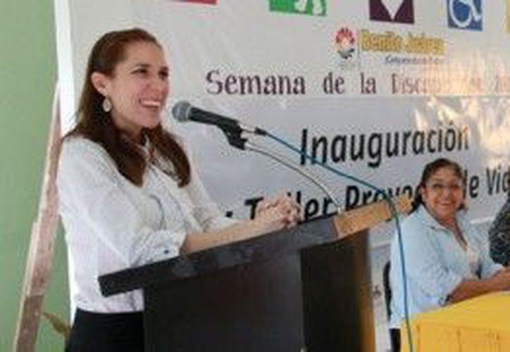 Atenea Gómez agradeció a nombre del presidente municipal Julián Ricalde Magaña, a  las Organizaciones no Gubernamentales (ONG´s) y asociaciones civiles por sumarse a las actividades. (Cortesía/SIPSE)