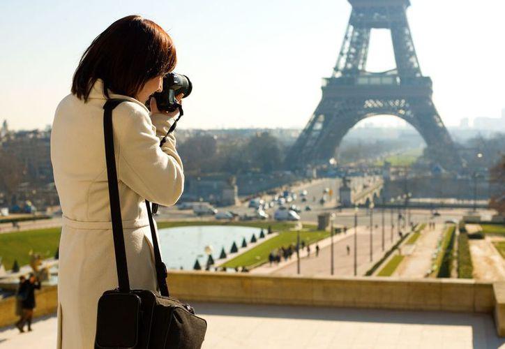 Los jóvenes utilizan el internet para buscan referencias de los mejores destinos para visitar. (Foto: Contexto)