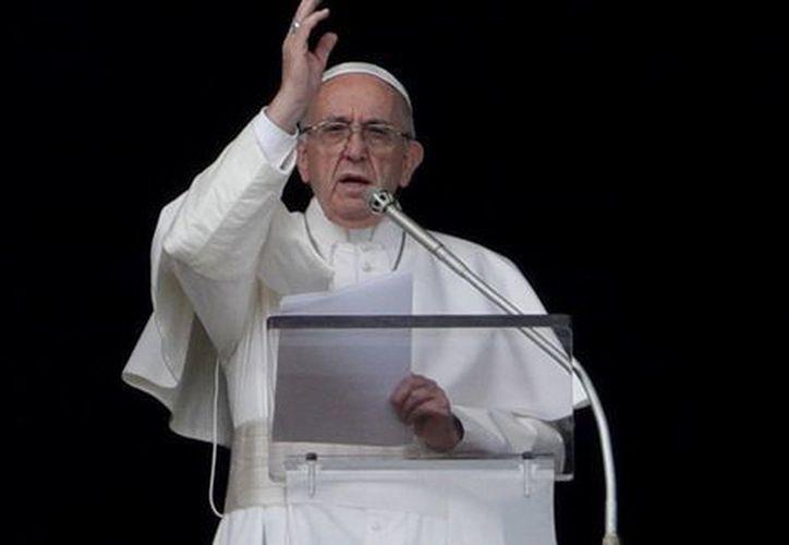 Francisco citó entonces el sufrimiento causado por un ciclón en India. (AP)
