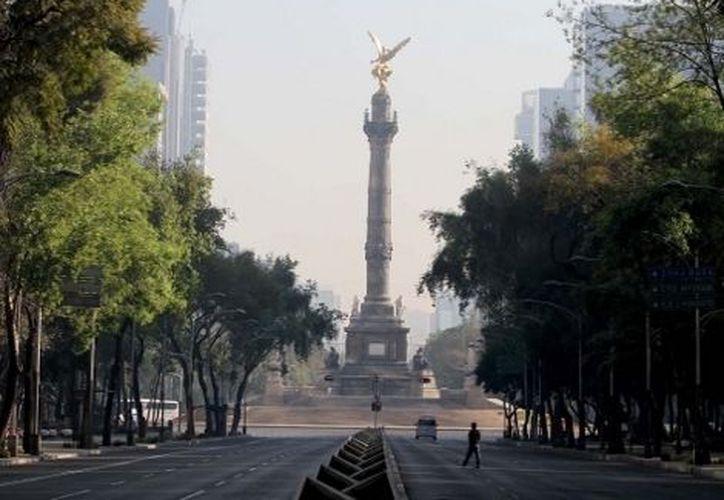 Las calles de la Ciudad de México lucieron vacías la mañana de Navidad. (Milenio)