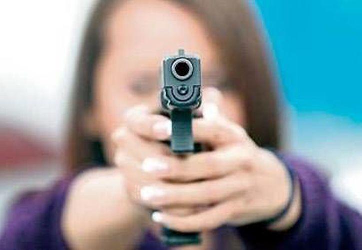 La madre se dio un tiro en la cabeza. (elsindical.com)
