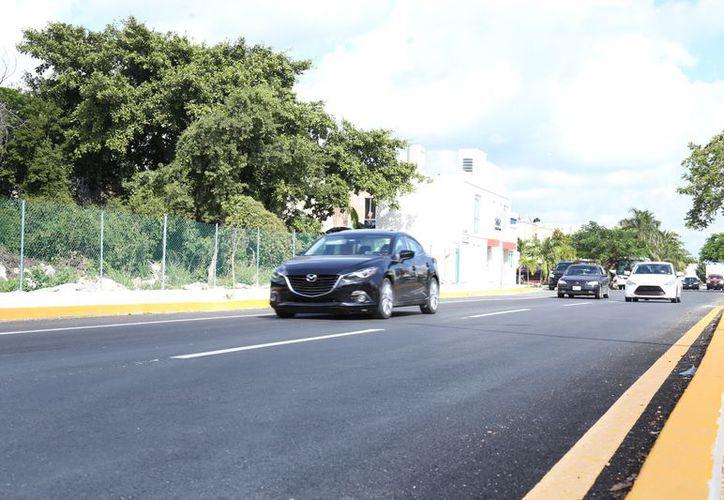 Reparan la avenida Chemuyil de Playa del Carmen. (Redacción/SIPSE)