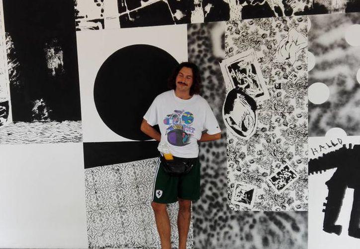 El artista visual austriaco Knarf Furstschegger creó dos murales para la Escuela Superior de Artes de Yucatán. (SIPSE)