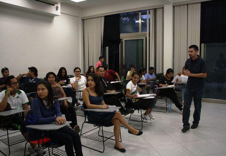 Trabajan para impulsar la calidad educativa en la universidad. (Octavio Martínez/SIPSE)