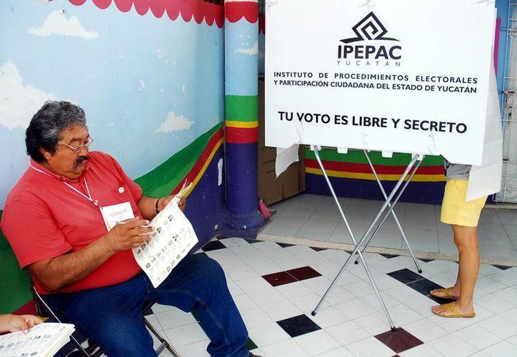 En diversos lugares se realizan simulacros electorales. (Milenio Novedades)