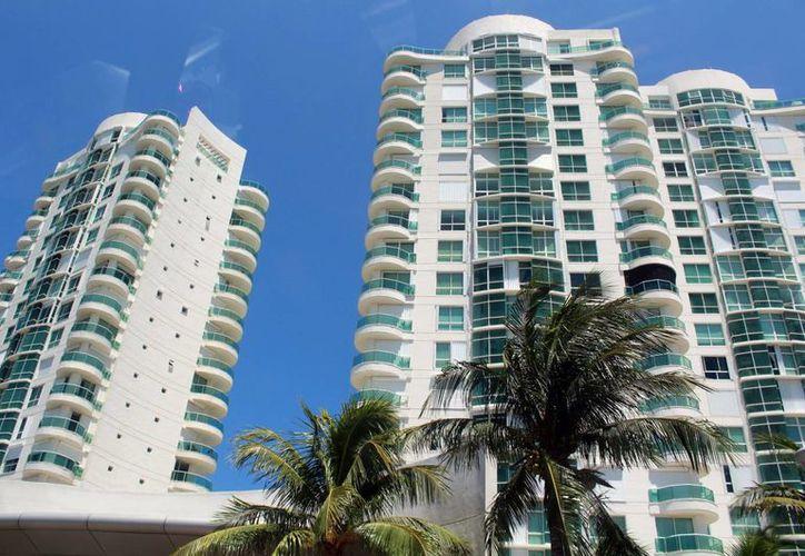 En Puerto Cancún e Isla Dorada existen casas de lujo. (Luis Soto/SIPSE)
