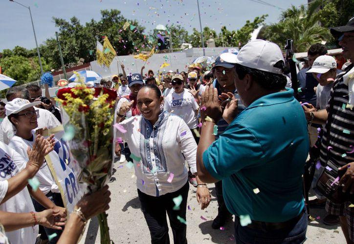 La candidata llamó a caminar hacia los buenos resultados que benefician a las familias.